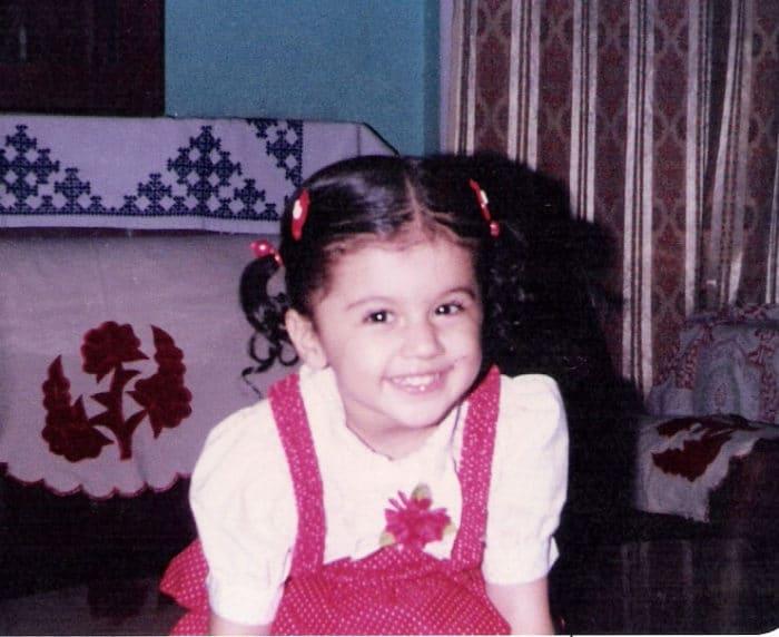 तापसी पन्नू की बचपन की तस्वीर