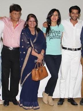 करणवीर बोहरा अपने माता-पिता के साथ