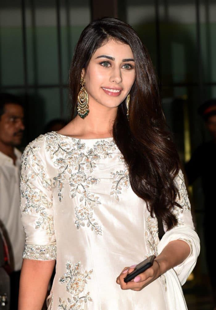 warina-hussain-wiki-biography-in-hindi