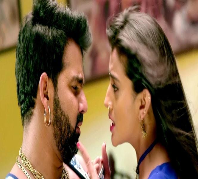 Pawan Singh अक्षरा सिंह का नया रोमांटिक गाना
