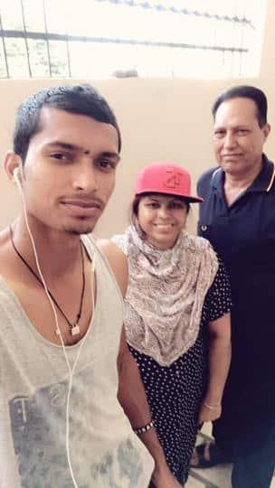 नवदीप सैनी के माता-पिता